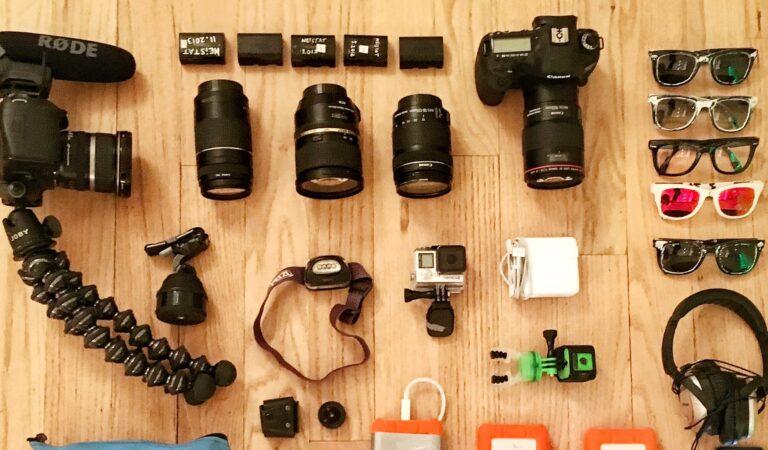 7 Vlogging Essentials: Starter Kit for Vloggers in 2021