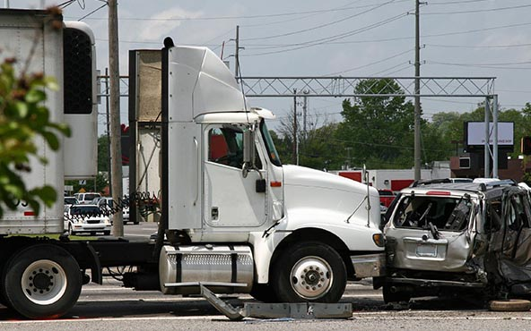 What a Truck Accident Can Cost the Victim?