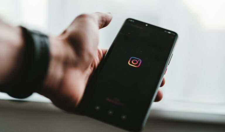 How to Buy Instagram Likes for All Pictures