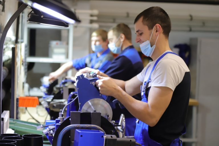 How to select the right CNC cutting service for your business