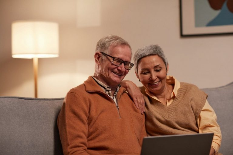 What Are Top 5 Best Laptops for Elderly Parents