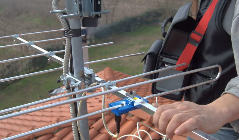How to Buy a TV Antenna That Is Right for You